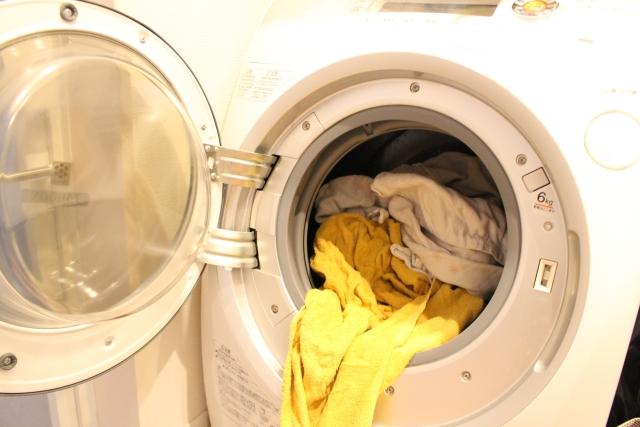 溢れる洗濯物