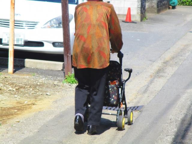 一人暮らしの老人